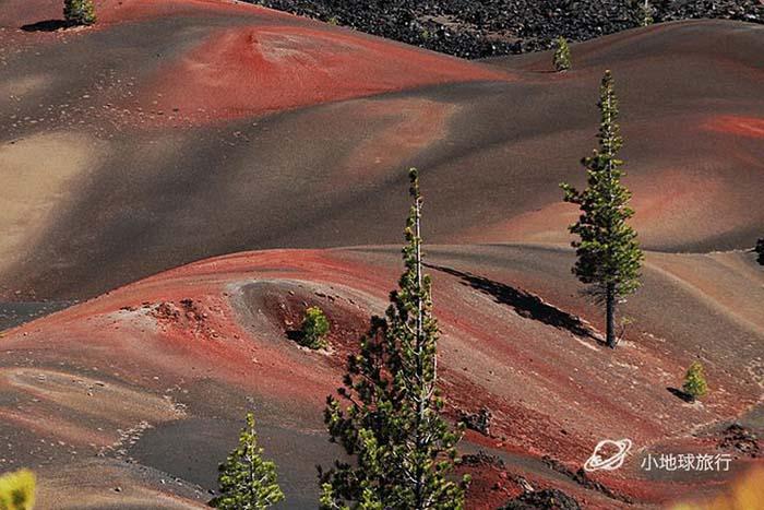 Cồn cát đầy màu sắc trông như một bức tranh sơn dầu trong công viên núi lửa - hình ảnh 5