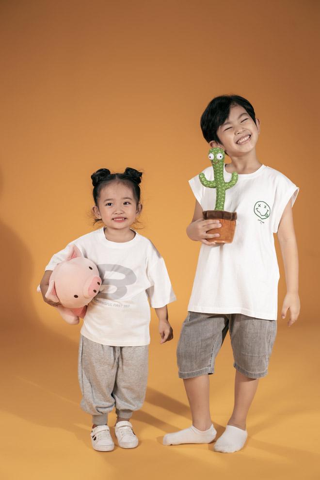 Hai nhóc tỳ nhà Khánh Thi – Phan Hiển như bản sao của bố mẹ - hình ảnh 1
