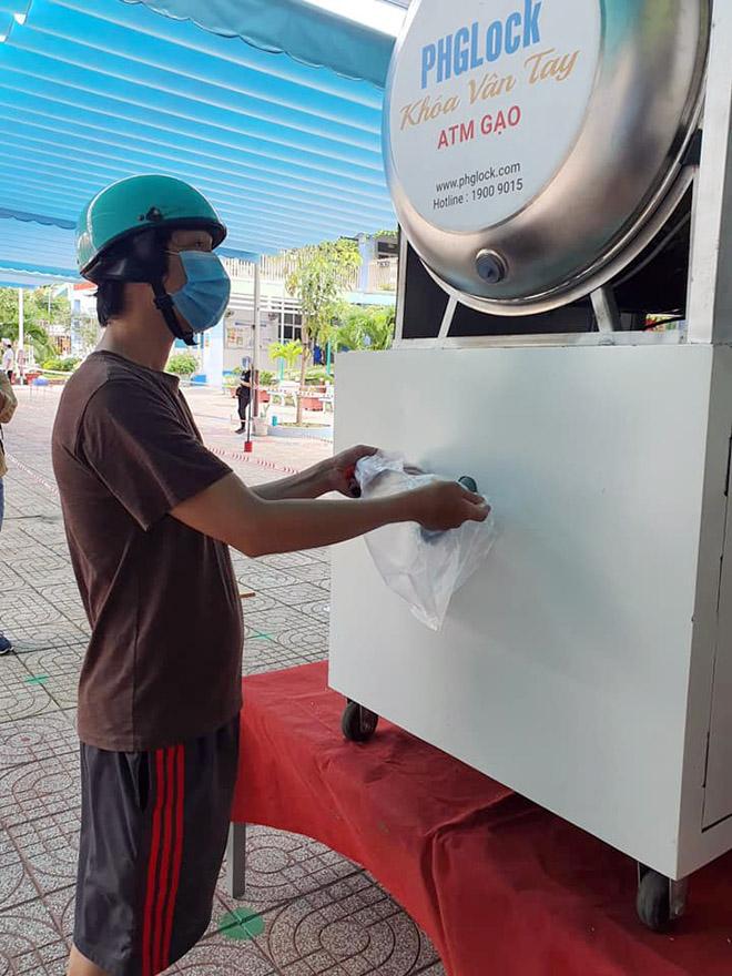 """""""ATM gạo"""" tái xuất, hỗ trợ người dân vùng dịch vượt qua khó khăn - hình ảnh 3"""