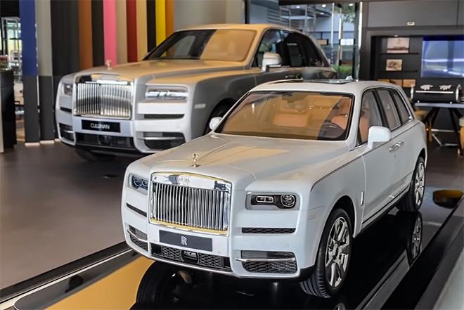 Cận cảnh mẫu xe mô hình Rolls-Royce Cullinan giá bán gần 1 tỷ đồng - 1
