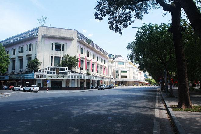 Đường phố Hà Nội vắng người vì trời nóng như đổ lửa - hình ảnh 4