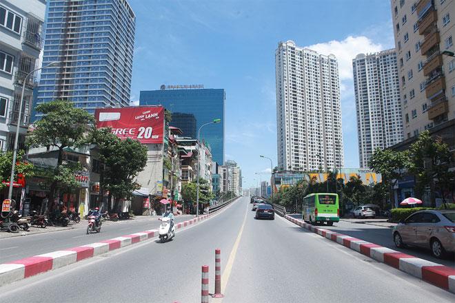 Đường phố Hà Nội vắng người vì trời nóng như đổ lửa - hình ảnh 7