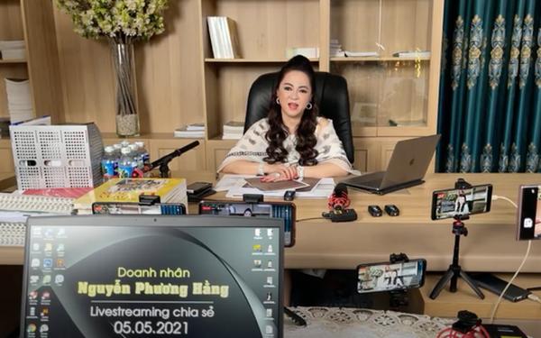 Bà Phương Hằng đeo dây chuyền kim cương 90 tỷ, diện váy xẻ sâu hút mắt - hình ảnh 7