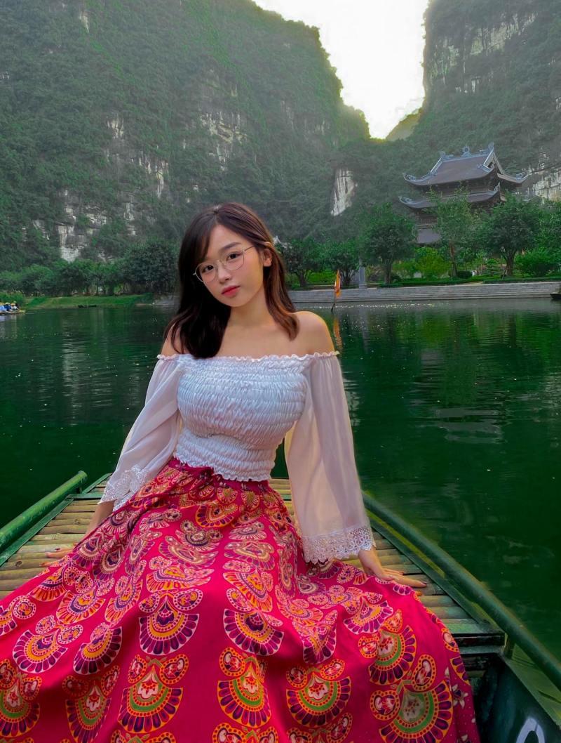 """""""Siêu vòng 1 Sài thành"""" sinh năm 2001 táo bạo với áo len nhạy cảm từ tên gọi đến hình dáng - hình ảnh 6"""