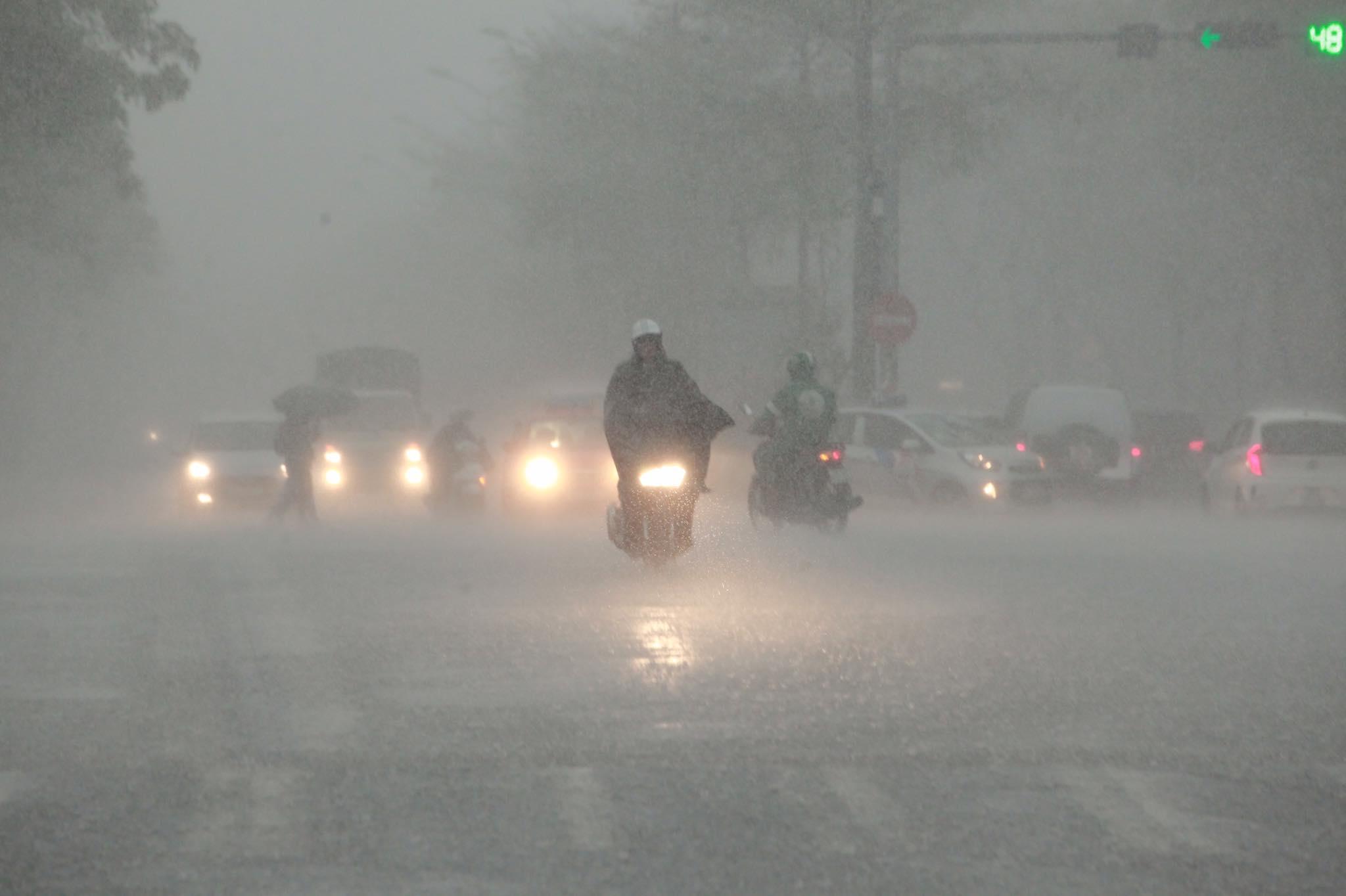 Bão số 1 thay đổi cường độ, miền Bắc lại sắp hứng đợt mưa to - hình ảnh 2