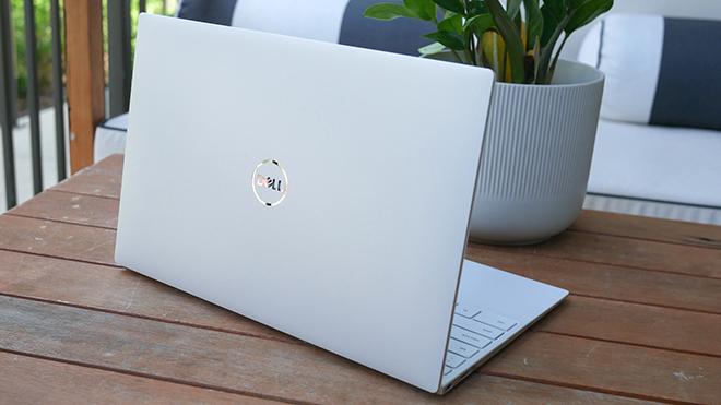 Trên tay chiếc laptop đáng mua nhất năm 2021 - 1