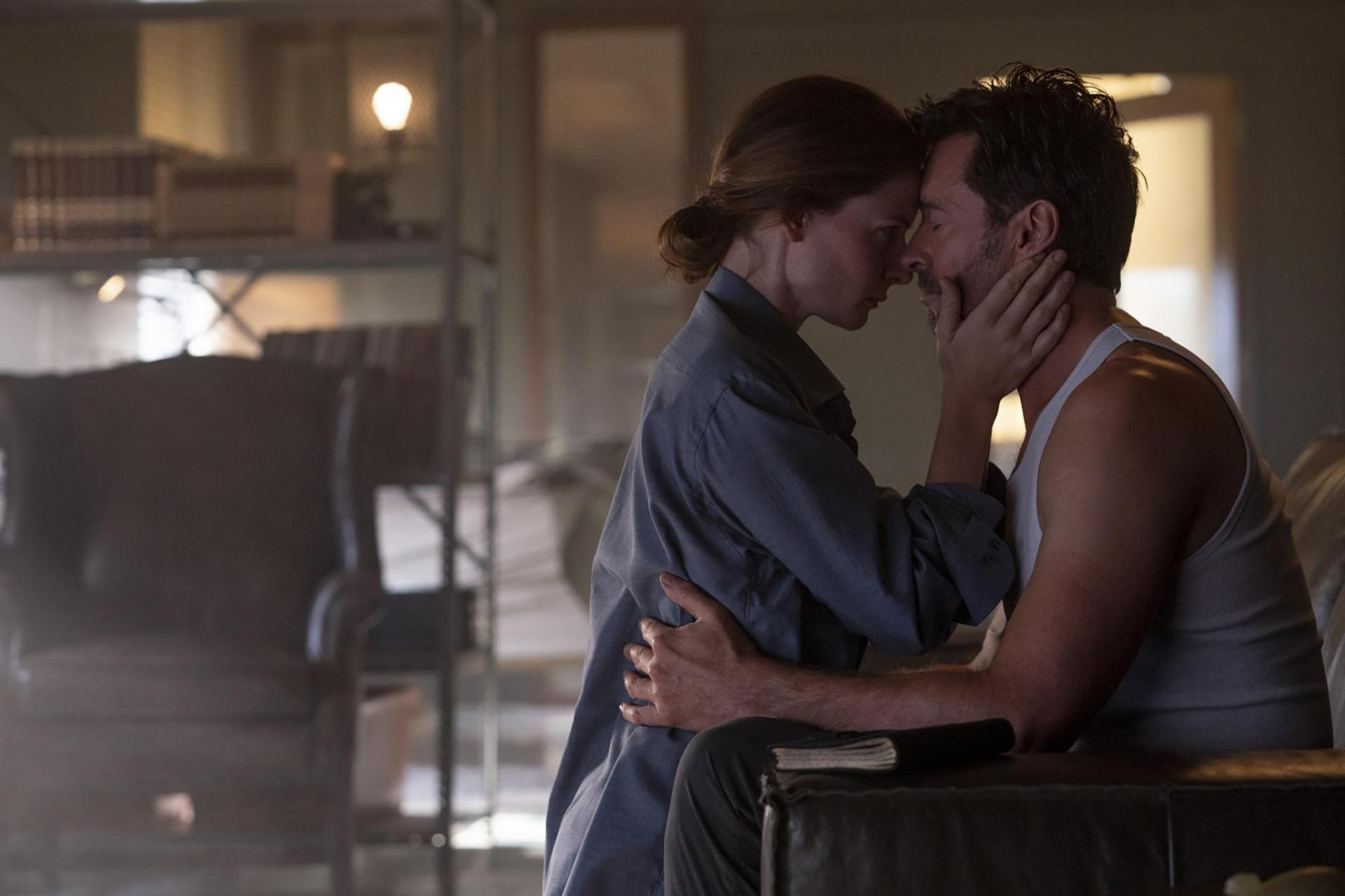 """""""Người đàn ông hấp dẫn nhất hành tinh"""" lộ cảnh nóng trong phim mới - hình ảnh 3"""