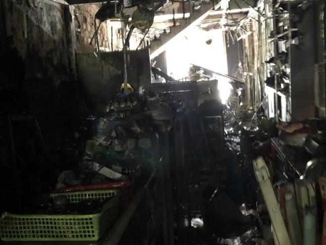 Hiện trường kinh hoàng vụ cháy nhà khiến 4 người tử vong - 2