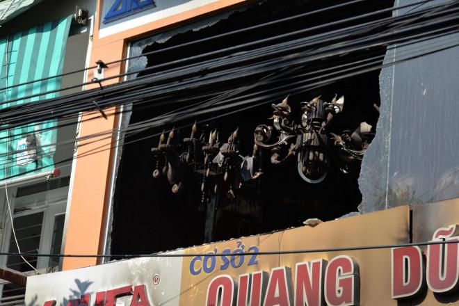 Hiện trường kinh hoàng vụ cháy nhà khiến 4 người tử vong - 8