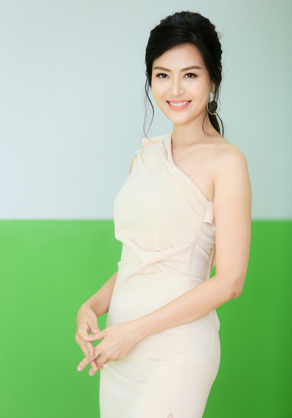 Hoa hậu VN Nguyễn Thu Thủy qua đời do đột quỵ khiến showbiz Việt bàng hoàng - 3