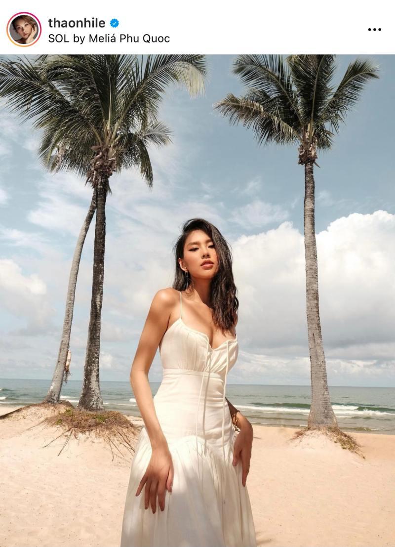 Trang phục của NTK Việt bất ngờ xuất hiện trên Vogue Anh - hình ảnh 2