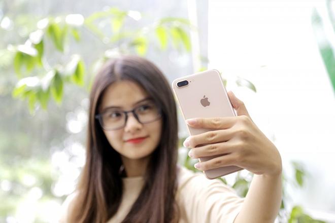 """iPhone 7 Plus - huyền thoại 5 năm nay còn """"ngon""""? - 1"""