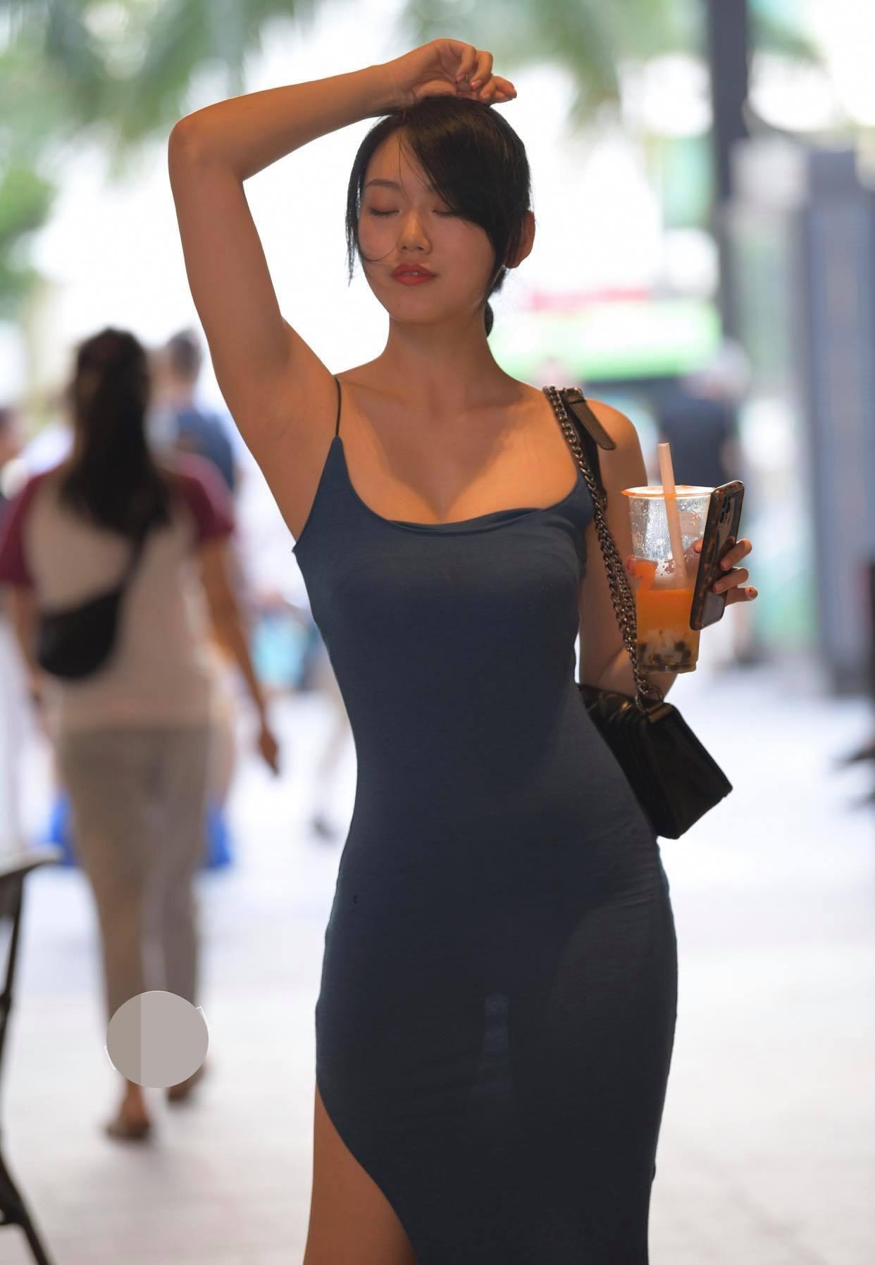 Kém duyên như chiếc váy hằn nội y khiến người xung quanh phải ngại ngùng thay - hình ảnh 2