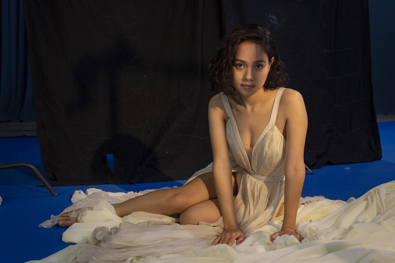 Nude trong MV 3D tự sáng tác, Hoàng Quyên hoá nàng Eva trong vườn địa đàng - hình ảnh 5