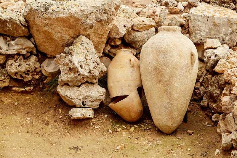 Bí mật kinh khủng được phát hiện trong bình gốm bị nguyền rủa cách đây 2300 năm - hình ảnh 1