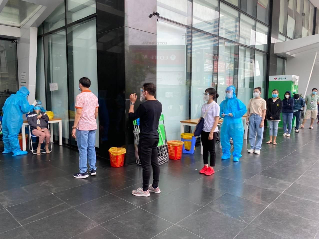 TP.HCM: Sự thật thông tin hàng nghìn người tháo chạy khỏi tòa nhà bị phong tỏa ở quận Tân Bình - hình ảnh 2