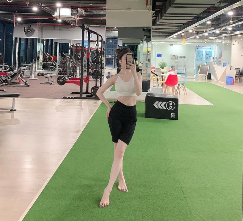 Bạn gái tin đồn mới của Quang Hải có body như búp bê nhờ uốn dẻo, chơi môn nhà giàu - hình ảnh 4