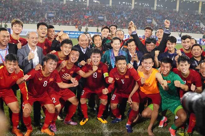 Chủ tịch nước thưởng đội tuyển Việt Nam 1 tỷ đồng - hình ảnh 1
