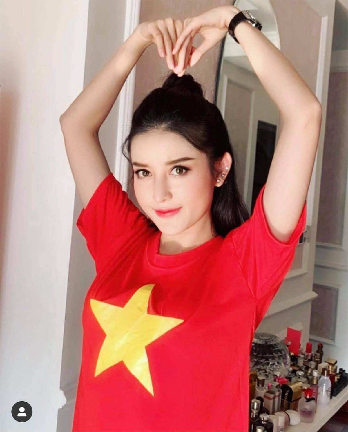Việt Nam thắng Indonesia 4-0 giữa mùa dịch: Người đeo khẩu trang, người đóng cửa cổ vũ - hình ảnh 10