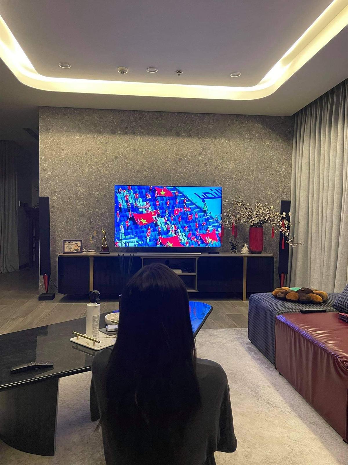 Việt Nam thắng Indonesia 4-0 giữa mùa dịch: Người đeo khẩu trang, người đóng cửa cổ vũ - hình ảnh 11