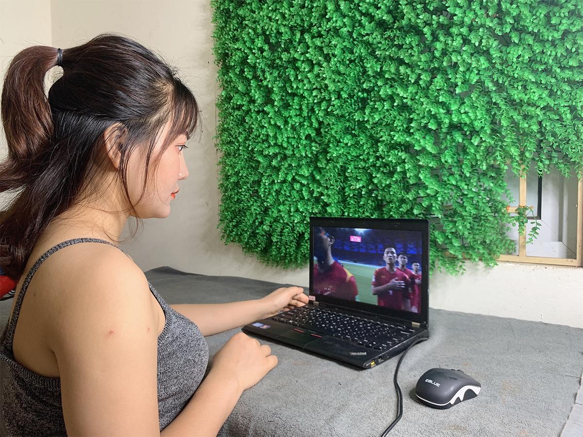 Việt Nam thắng Indonesia 4-0 giữa mùa dịch: Người đeo khẩu trang, người đóng cửa cổ vũ - hình ảnh 13