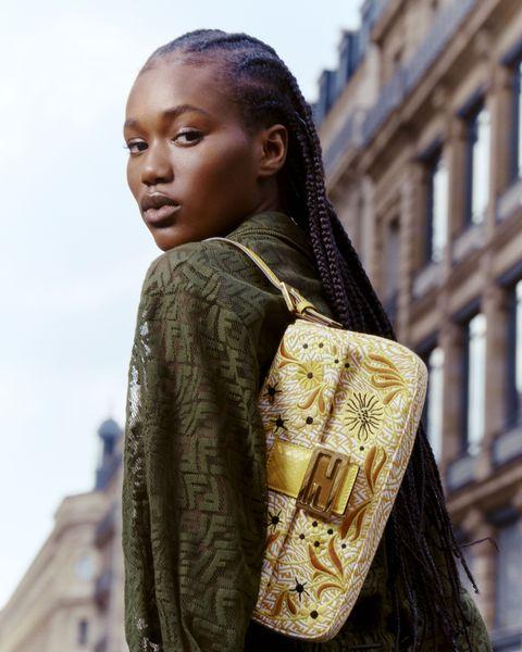 Fendi tái tạo lại chiếc túi Baguettes huyền thoại cho mùa hè 2021 - hình ảnh 3