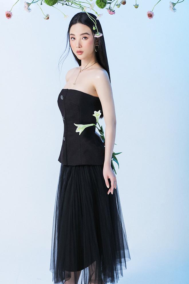 """Hoa hậu quốc tế Mỹ Huyền lúc sexy """"gây mê hoặc"""", khi e ấp tựa nàng thơ - hình ảnh 3"""