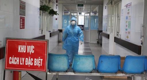 TP.HCM: Người bệnh có triệu chứng sốt, ho, đau họng, bệnh viện sẽxét nghiệm SARS-CoV-2 - hình ảnh 1