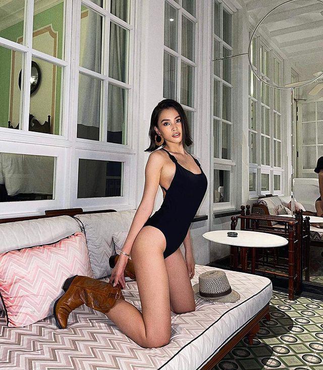 Tiểu Vy nóng bỏng bung khăn tắm, khoe khéo body cong đẹp như miêu nữ nhờ luyện tập - hình ảnh 6