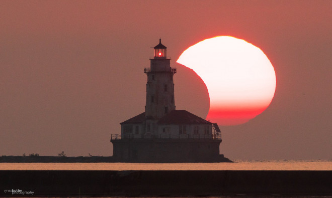 """Chiêm ngưỡng nhật thực """"vòng lửa Bắc Cực"""" xuất hiện khắp thế giới - 5"""