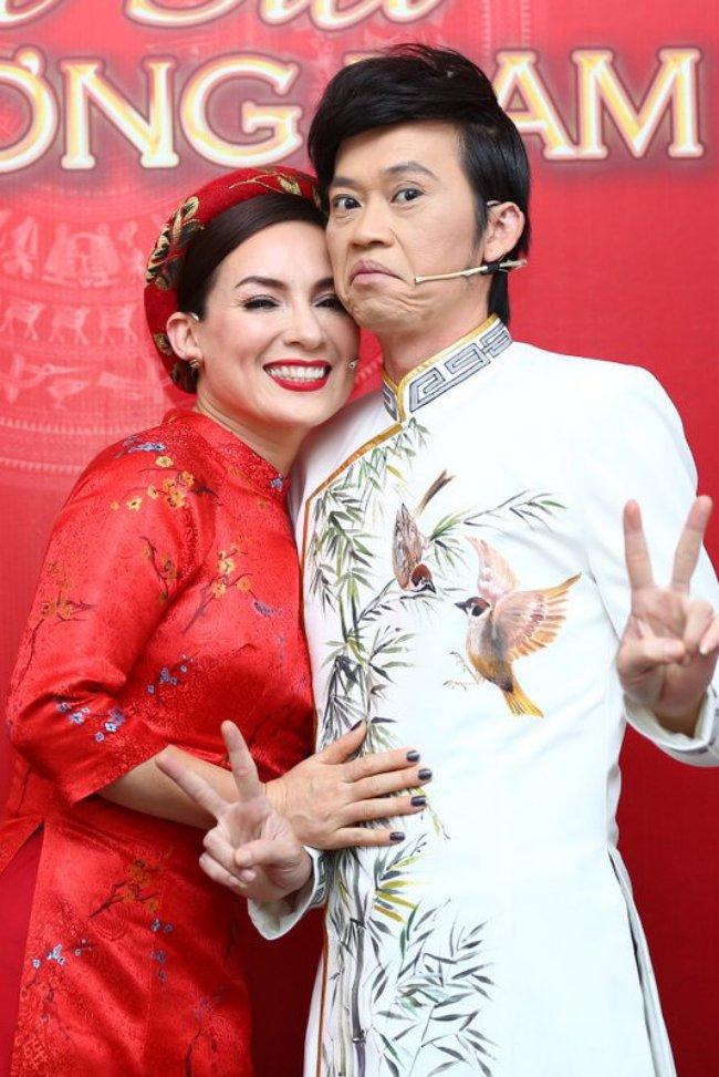 """Phi Nhung 2 lần sang tận nhà hỏi cưới Hoài Linh và mối quan hệ """"không thể nói bằng lời"""" - 2"""