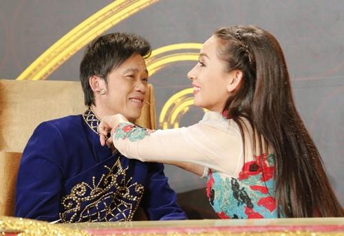 """Phi Nhung 2 lần sang tận nhà hỏi cưới Hoài Linh và mối quan hệ """"không thể nói bằng lời"""" - 6"""