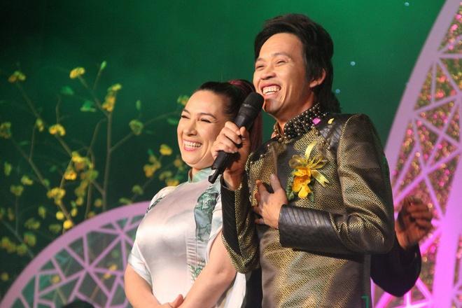 """Phi Nhung 2 lần sang tận nhà hỏi cưới Hoài Linh và mối quan hệ """"không thể nói bằng lời"""" - 3"""
