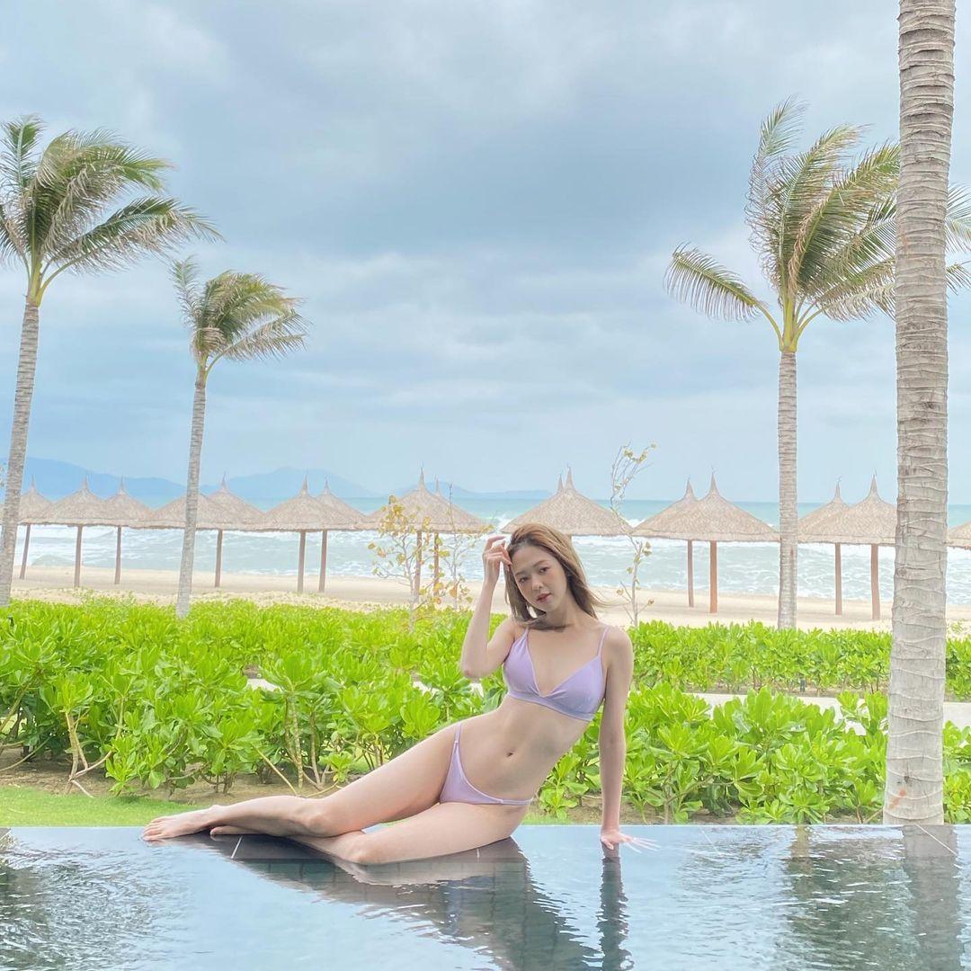 """""""Tình cũ Trịnh Thăng Bình"""" gợi cảm tuyệt đỉnh với bikini nhỏ - xinh- sang - 4"""