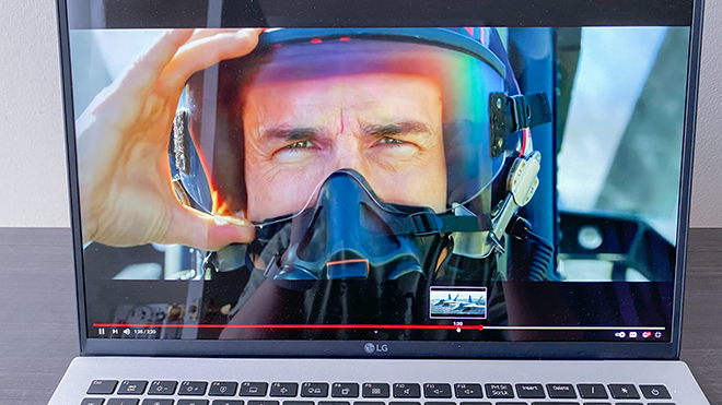 Đánh giá LG Gram 2021: Laptop cỡ lớn cực trâu, siêu bền - 7