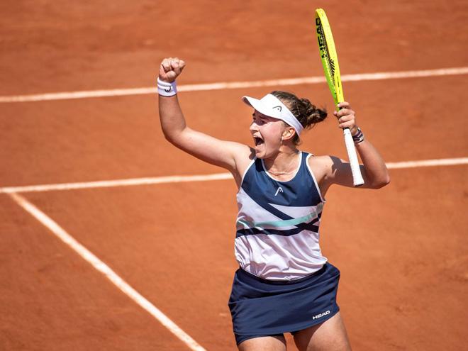 Video Krejcikova - Sakkari: Kịch chiến 3 set, thành quả xứng đáng (Bán kết Roland Garros) - 1