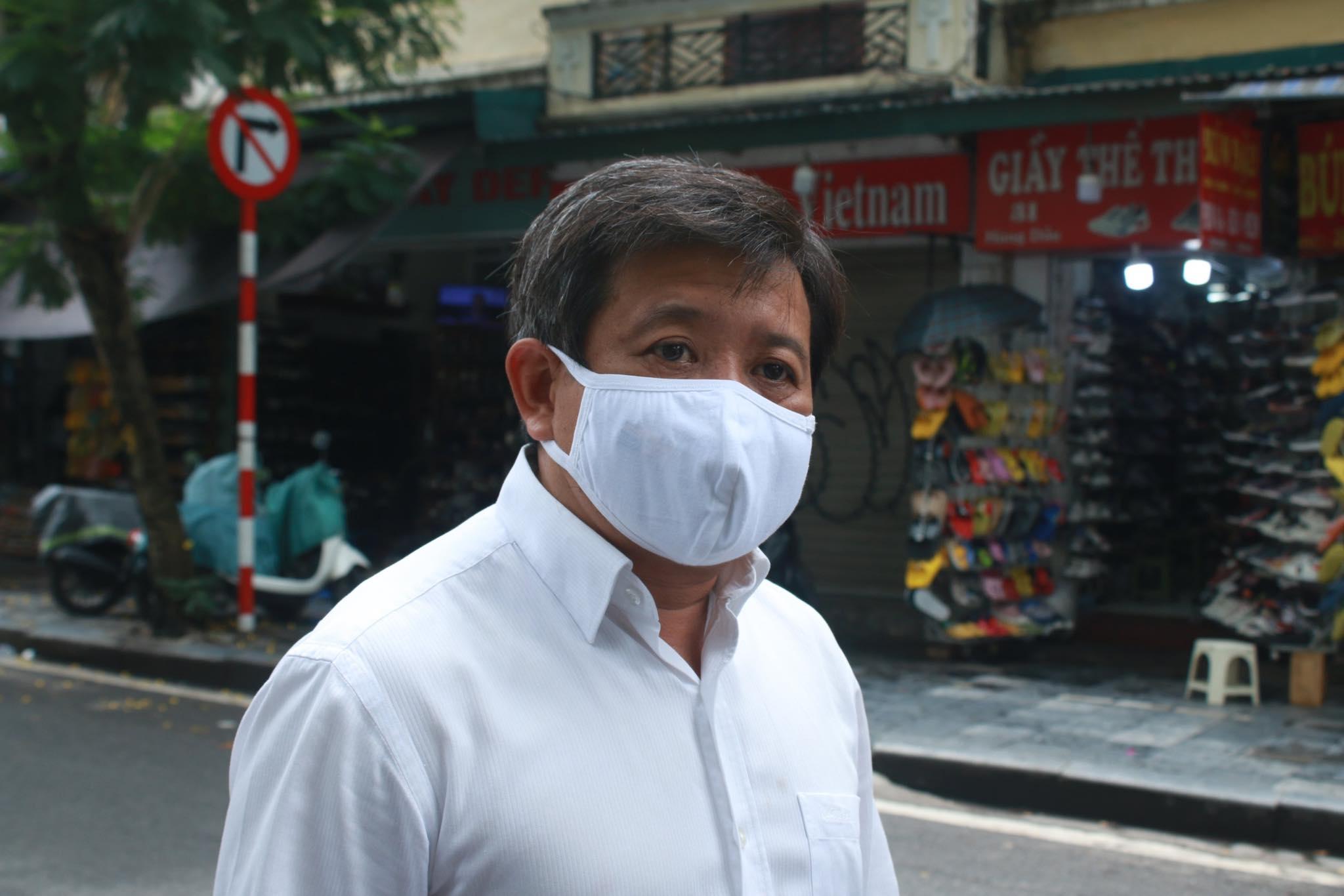 """Ông Đoàn Ngọc Hải bán hết xe hoa quả sau 15 phút, """"lãi"""" hơn 4 triệu đồng - hình ảnh 6"""