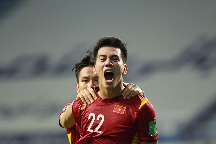 Con trai ghi bàn thắng đầu tiên cho tuyển Việt Nam ở trận gặp Malaysia, bố Tiến Linh nói gì? - hình ảnh 1