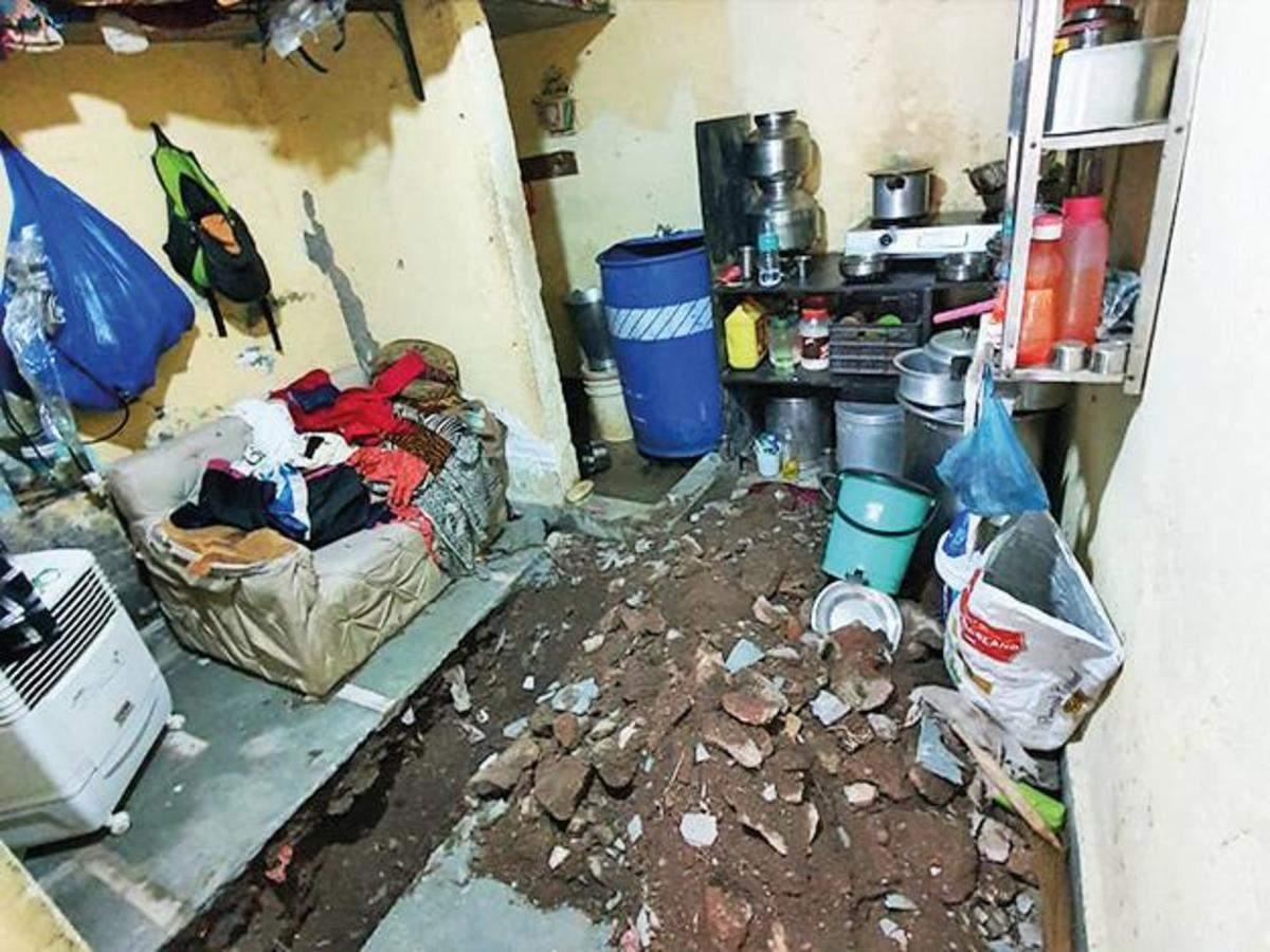 Ngoại tình với hàng xóm, vợ cùng nhân tình sát hại chồng rồi chôn xác dưới nền nhà - 1
