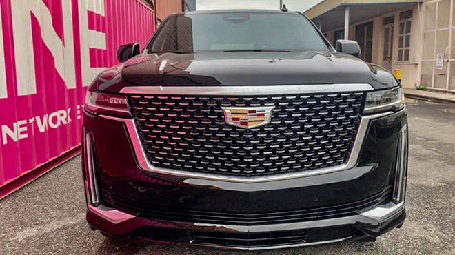 """""""Pháo đài mặt đất"""" Cadillac Escalade mới xuất hiện tại Việt Nam, giá dự đoán hơn 8 tỷ đồng - 1"""