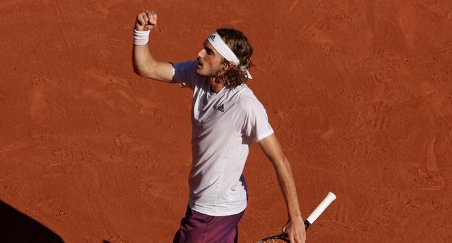 Video tennis Zverev - Tsitsipas: Kịch tính 5 set, vé chung kết lịch sử (bán kết Roland Garros) - 1