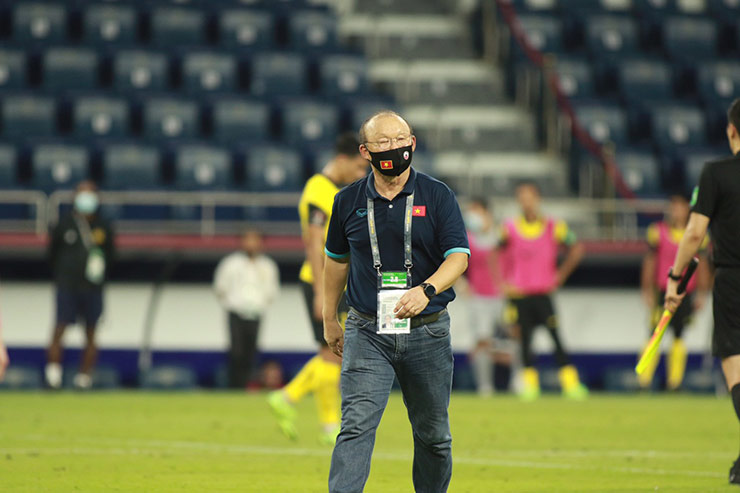 HLV Park Hang-seo bị cấm chỉ đạo ở trận Việt Nam gặp UAE - Hình 1