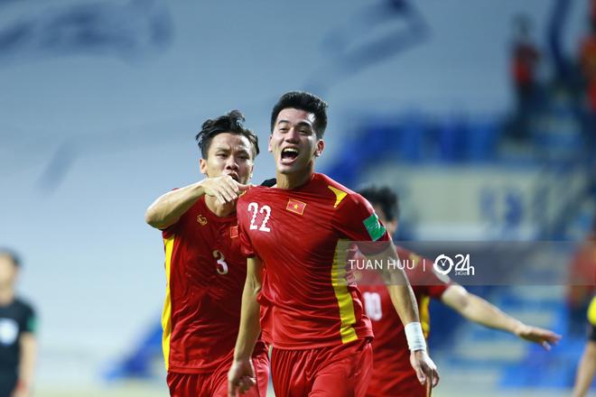 Đánh bại Malaysia, đội tuyển Việt Nam được thưởng lớn - hình ảnh 1