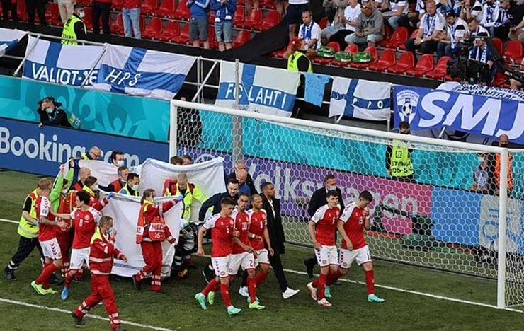 Bi kịch EURO: Eriksen (Đan Mạch) đổ gục trên sân, nguy hiểm đến tính mạng - 7