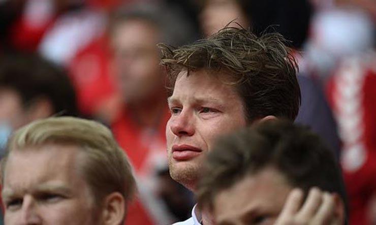 Bi kịch EURO: Eriksen (Đan Mạch) đổ gục trên sân, nguy hiểm đến tính mạng - 10