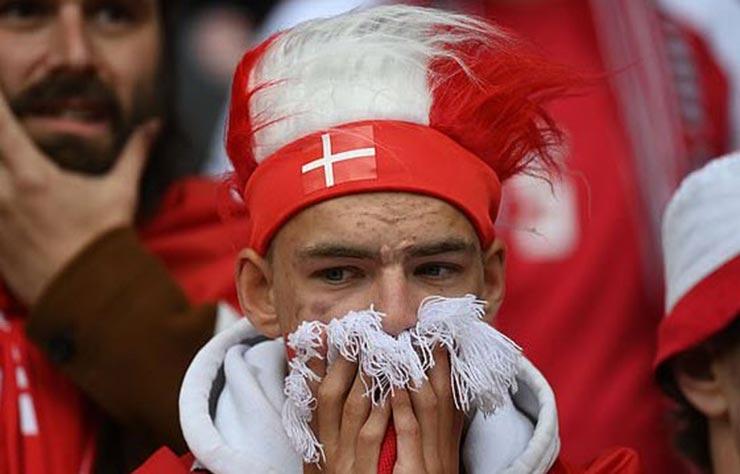 Bi kịch EURO: Eriksen (Đan Mạch) đổ gục trên sân, nguy hiểm đến tính mạng - 9