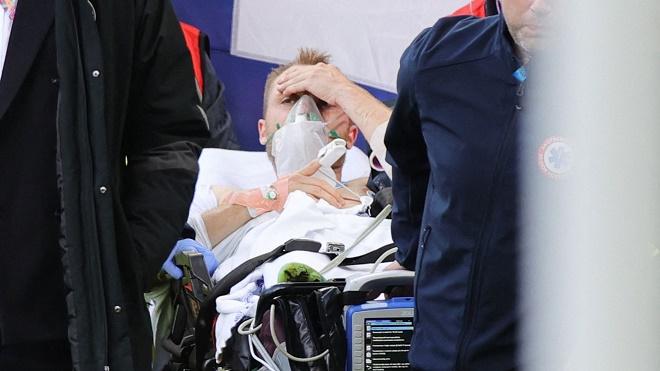 Eriksen bất tỉnh chấn động EURO: Nguy cơ bị cấm thi đấu và phải giải nghệ - 1