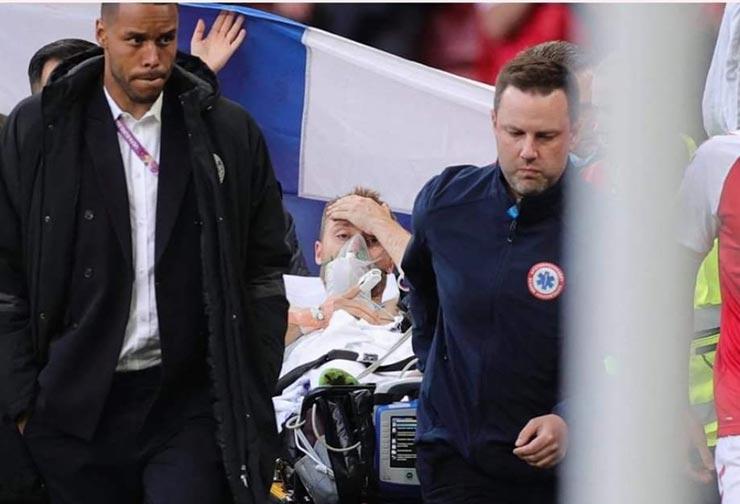 Bi kịch EURO: Eriksen (Đan Mạch) đổ gục trên sân, nguy hiểm đến tính mạng - 11