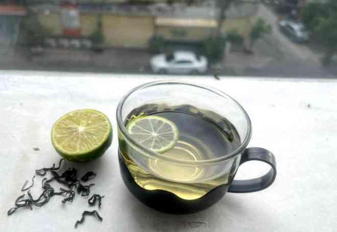Lợi ích bất ngờ khi uống trà xanh với chanh - 1