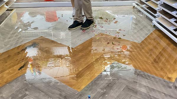 Trải nghiệm sàn gỗ cốt đen DreamLux cao cấp cho ngôi nhà bạc tỷ - 2